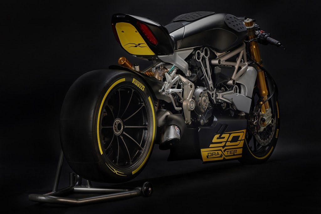 Foto 01 Ducati Diavel Draxter