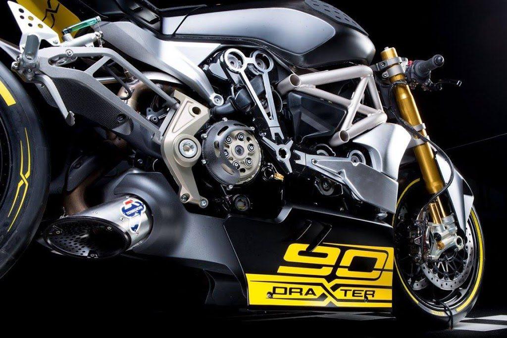 Foto 04 Ducati Diavel Draxter