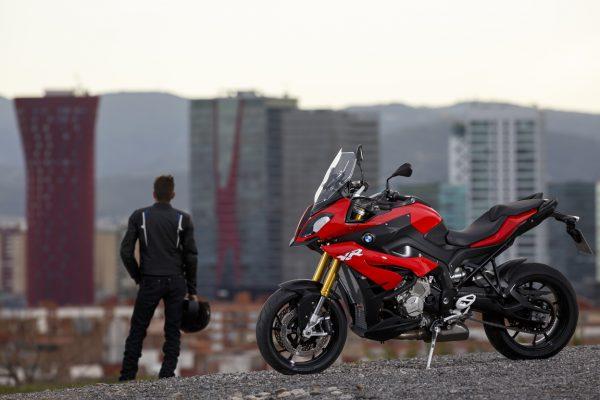 Foto 07 BMW S1000XR