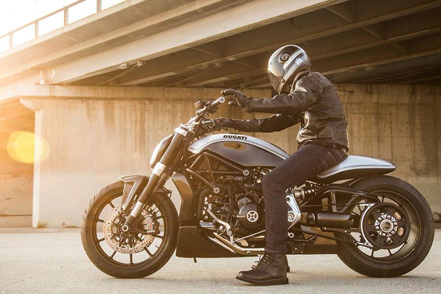 Foto 03 RSD Ducati XDiavel