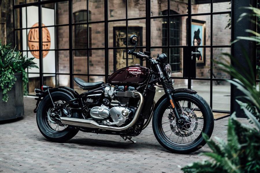 Moto Triumph Bobber