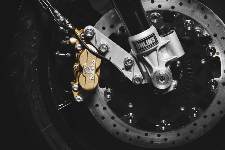 Foto 04 Magni Filo Rosso Black Edition