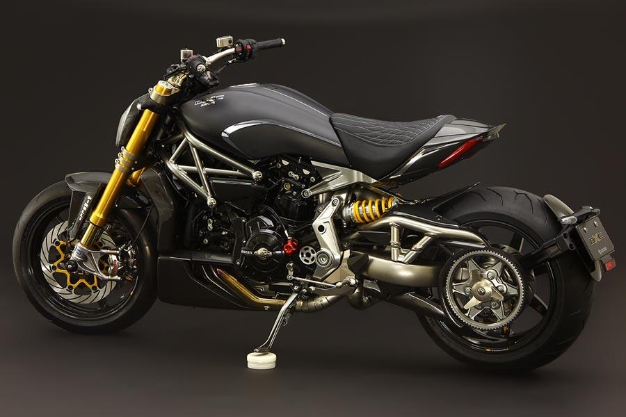 Foto 02 Moto Corse DXC
