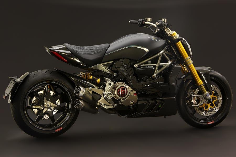 Foto 03 Moto Corse DXC