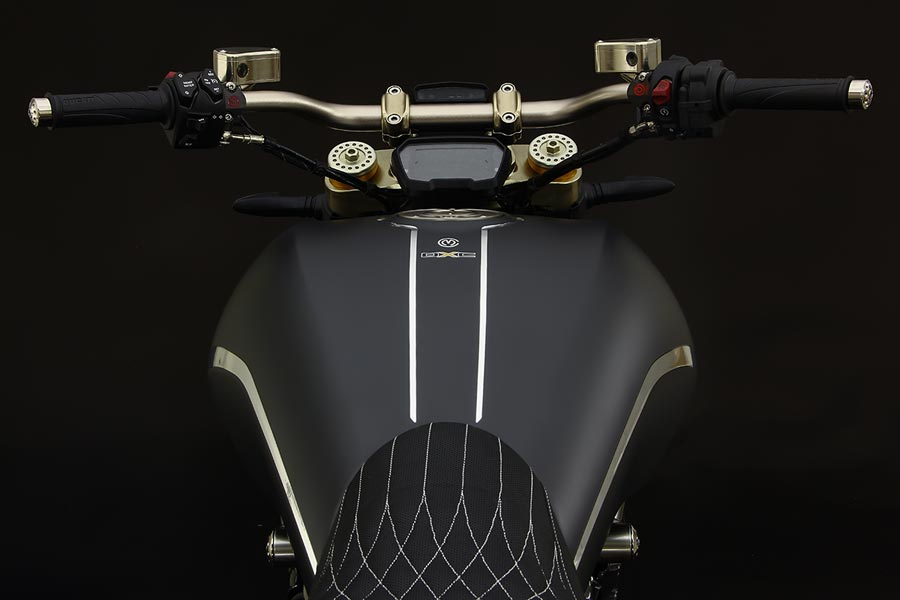 Foto 04 Moto Corse DXC