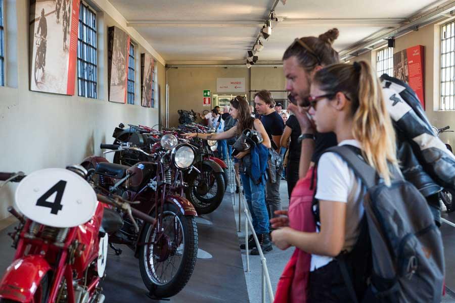 Foto 02 Moto Guzzi Open House 2018