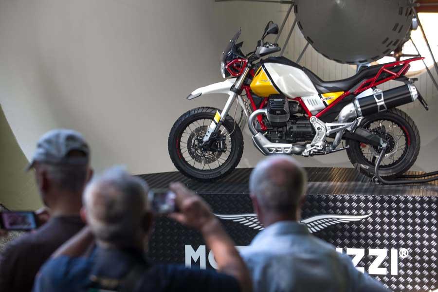Foto Moto Guzzi V85 TT