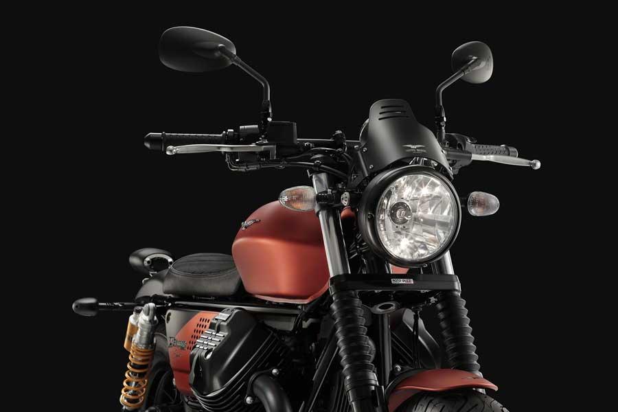 Foto 02 Moto Guzzi V9 Bobber Sport