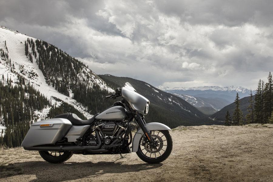 Foto 06 Harley Davidson Street Glide Special