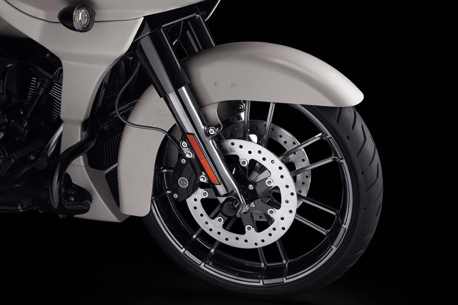 Foto 06 Harley Davidson CVO Road Glide