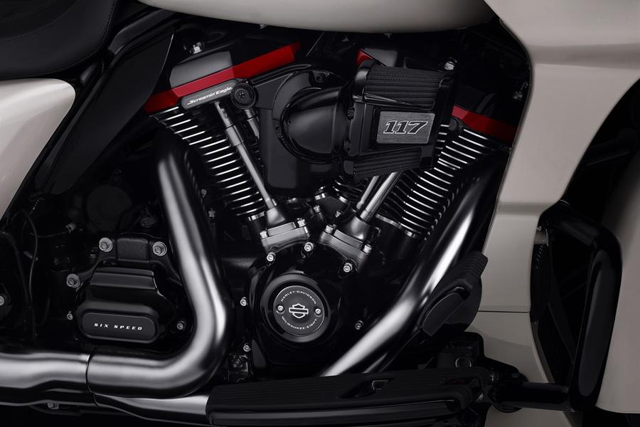 Foto 08 Harley Davidson CVO Road Glide