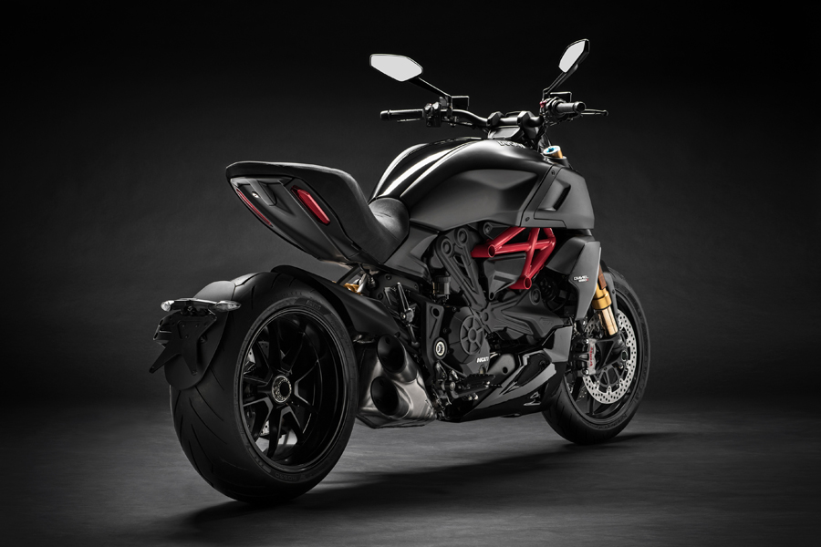 Foto 04 Ducati Diavel 1260S