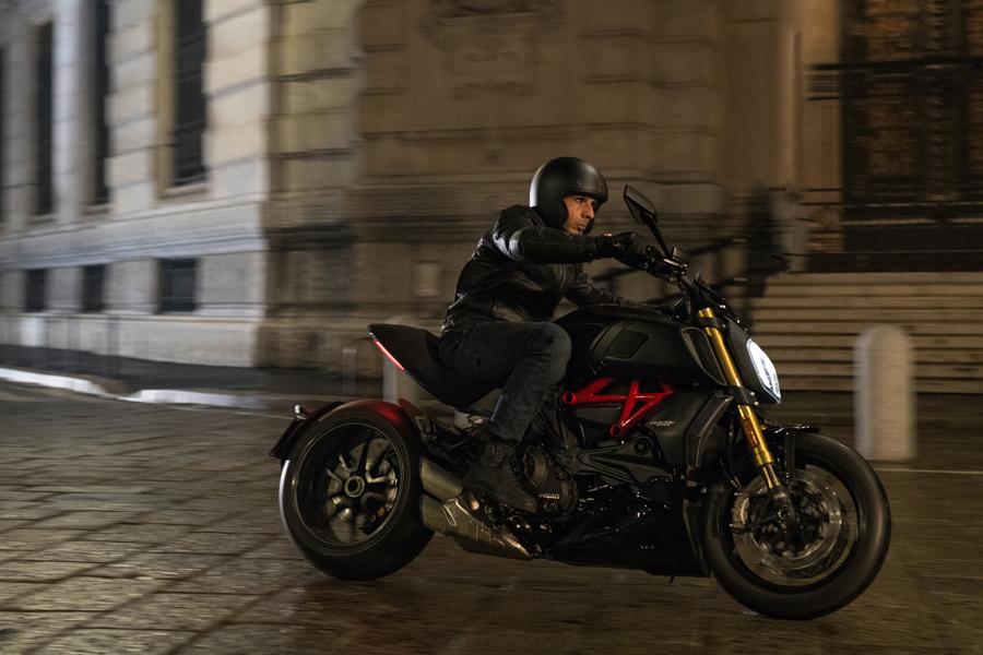 Foto 07 Ducati Diavel 1260S