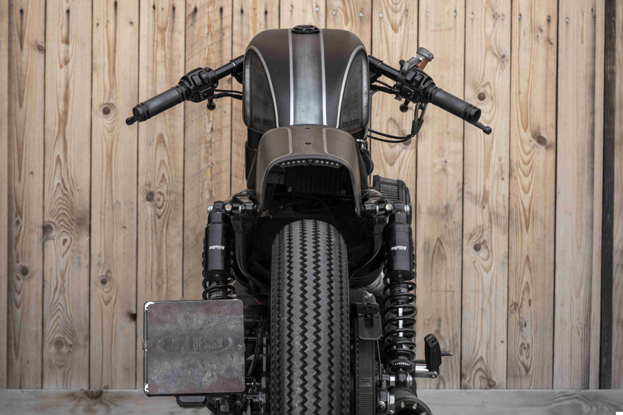Foto 04 Moto Design Customs 1200 RS Caferacer