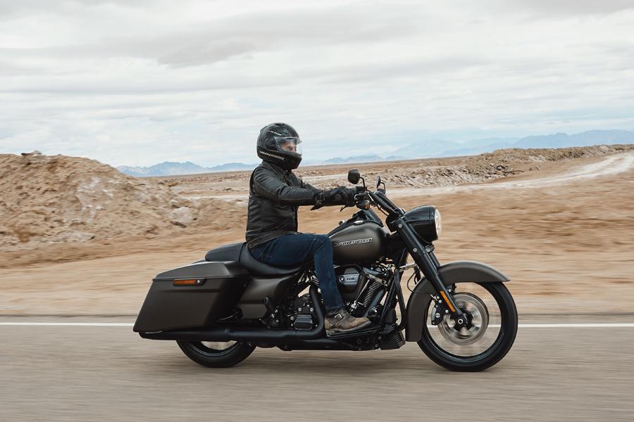 Foto 04 Harley Davidson Road King Special