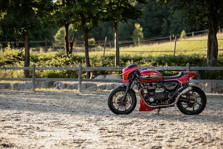 Foto 06 Rennstall Triumph Speed Twin