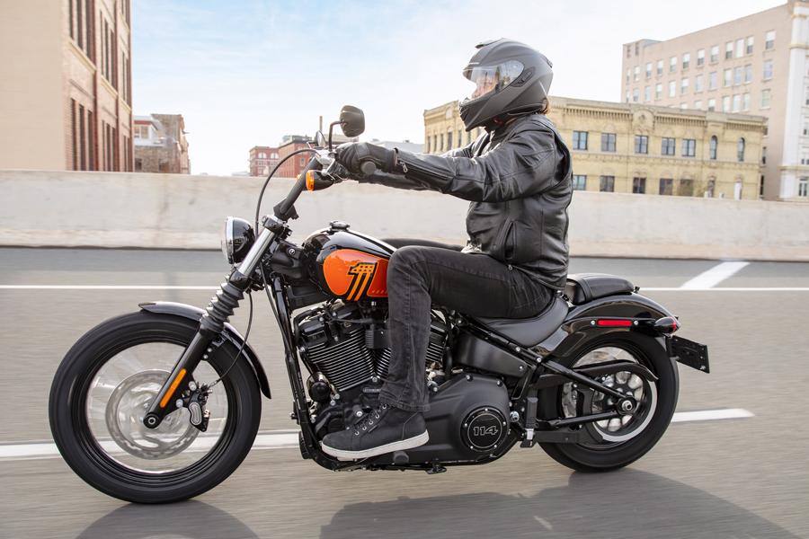 Foto 02 Harley Davidson Street Bob 114