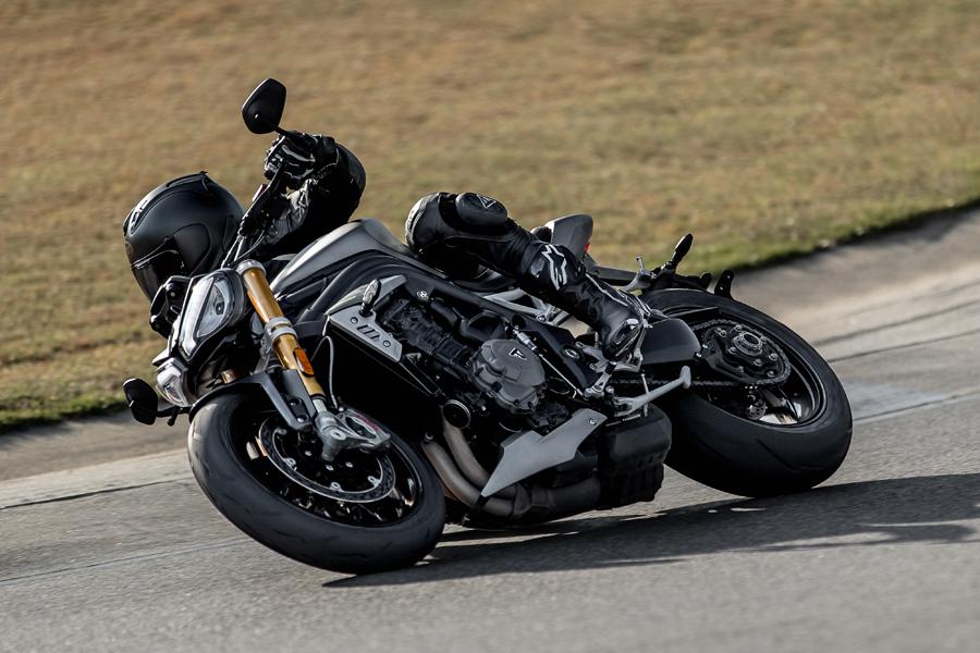 Foto 02 Triumph Speed Triple 1200 RS