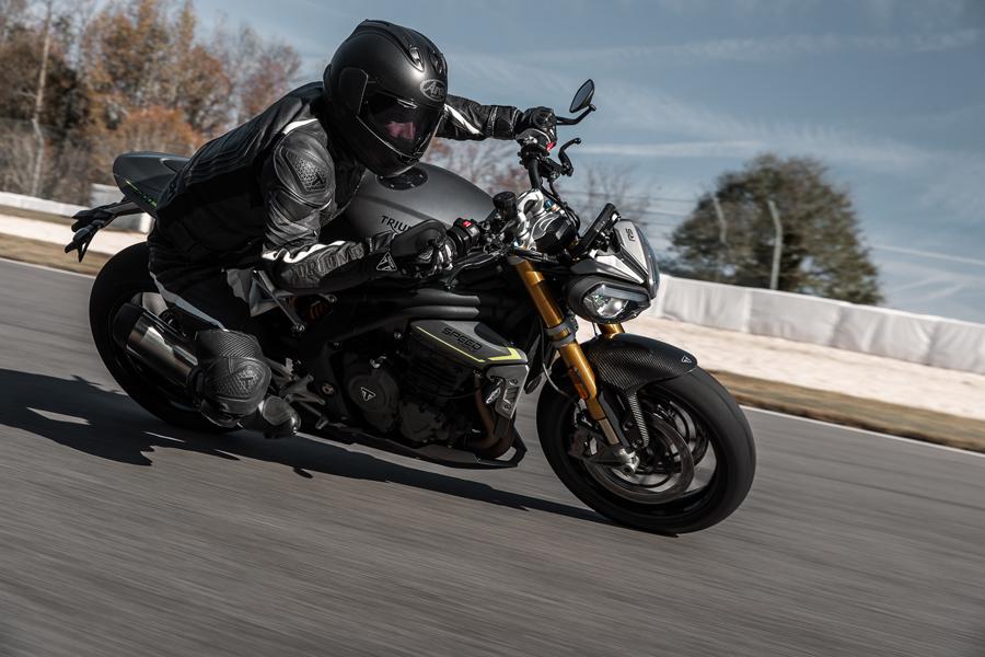 Foto 05 Triumph Speed Triple 1200 RS
