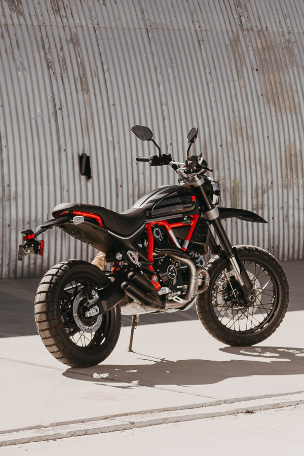 Foto 02 Ducati Scrambler Desert Sled Fasthouse