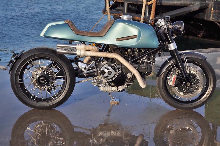 Foto 02 Augh Ducati 1100SS
