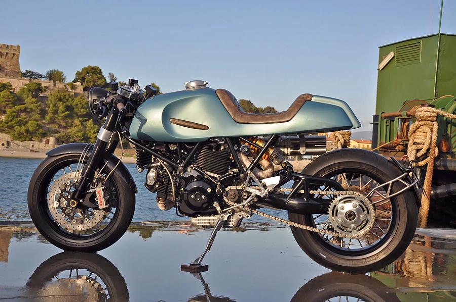 Foto 03 Augh Ducati 1100SS