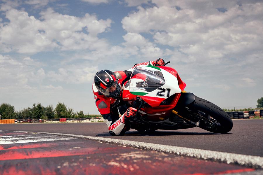 Foto 03 Ducati Panigale V2 Bayliss